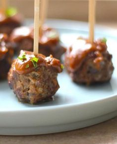 Best Snack: do-it-yourself meatballs with satin sauce Informations About Snack: zelfgemaakte.The Best Snack: do-it-yourself meatballs with satin sauce Informations About Snack: zelfgemaakte. Birthday Snacks, Snacks Für Party, Birthday Recipes, Food Network Recipes, Cooking Recipes, What's Cooking, Brunch, Buffet, High Tea