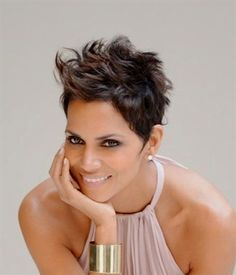Halle Berry Very Short Haircuts Health Beauty Pinterest