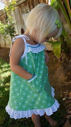 Tied Summer Dress Remix ~ for toddler sizes - use pillowcase & for Em.Tied Summer Dress Remix {because it's still summer here} Little Dresses, Little Girl Dresses, Girls Dresses, Dress Girl, Sewing For Kids, Baby Sewing, Sewing Clothes, Doll Clothes, Dress Sewing