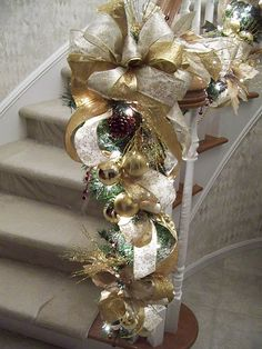 Gold Christmas Staircase - I like the idea of extra ornaments on the garland Silver Christmas, Elegant Christmas, Noel Christmas, Christmas Wreaths, Christmas 2017, Beautiful Christmas, Christmas Lights, Christmas Stairs, Christmas Fireplace