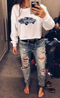 How to wear leggings and jeggings to look cool and stylish? - Source by isabellsheehan outfits Mode Outfits, Jean Outfits, Winter Outfits, Summer Outfits, School Outfits, Outfits With Jeans, Fashion Mode, Look Fashion, Teen Fashion