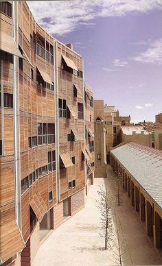 Edificios construidos en Sabadell, España obra de los Arquitectos Moneo, M. Lapeña y E. Torres.  #Arquitectura #Diseño #Construcciones