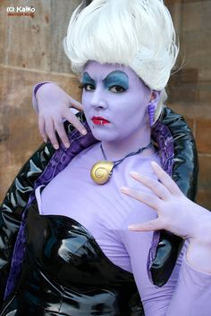 Ursula - Stola by Des-Henkers-Braut on DeviantArt Little Mermaid Movies, Little Mermaid Costumes, The Little Mermaid, Joker Halloween, Cool Halloween Makeup, Halloween Costumes, Halloween 2013, Halloween Crafts, Cosplay Costumes