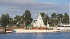 Sailing around Melbourne