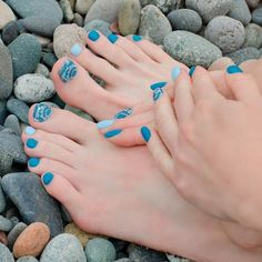 Mani-Pedi For Beach Time ❤ Learn How To Do Manicure And Pedicure In No Time ❤ See more ideas on our blog!! #naildesignsjournal #nails #nailart #naildesigns #toes #toenails #manicureandpedicure #pedicure Pretty Nail Designs, Toe Nail Designs, Mani Pedi, Manicure And Pedicure, How To Do Manicure, Toenails, Eye Art, Beauty Routines, Looking Gorgeous