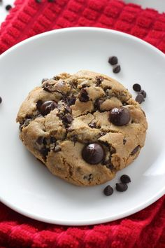 Flawless Chocolate Chip Cookies - Pin and make if you want to FINALLY have the best chocolate chip cookie EVER!