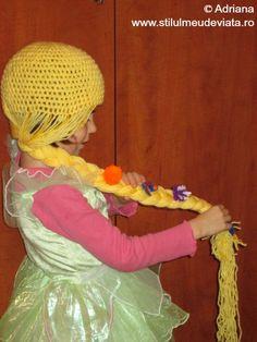 caciula Rapunzel Rapunzel, Crochet Hats, Carnival, Double Deck Bed, Knitting Hats, Tangled