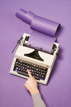 art direction | typewriter purple still life photography - Studio 13/16 - Février