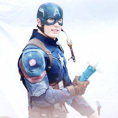 "Chris Evans on the set of ""Captain America: Civil War"" in Atlanta, May 15, 2015 #CaptainAmericaCivilWar"