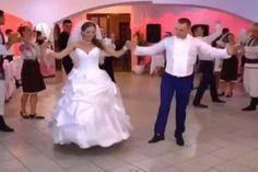 Θα κλάψετε από τα γέλια: Αυτό θα πει γαμήλιο γλέντι! Prom Dresses, Formal Dresses, Wedding Dresses, Foto Baby, Videos, Photography, Fashion, Dresses For Formal, Bride Dresses