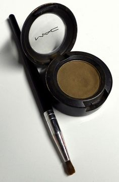 MAC Coquette Shadow  Best matte shadow to fill in eyebrows