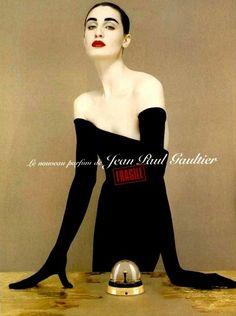 "Эрин О'Коннор в рекламе аромата ""Fragile"" от Jean Paul Gaultier, 1999"