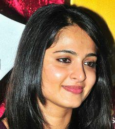 Anushka Shetty Face clouse Up Pics - Anushka Shetty Anushka Latest Photos, Anushka Pics, Beauty Full Girl, Cute Beauty, Beauty Women, Actress Anushka, Bollywood Actress, Bollywood Style, Unique Faces