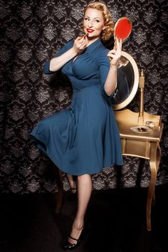 Every day new vintage retro clothing online pinup style dresses swing dresses vintage shoes Vintage Outfits, Retro Outfits, Vintage Dresses, Vintage Tops, Looks Vintage, Retro Fashion, Vintage Fashion, Pin Up Outfits, Full Circle Skirts