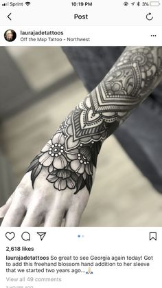Hand Tattoos Little Ideas Tattoos Mandalas, Mandala Hand Tattoos, Mandala Tattoo Design, Tattoo Designs, Tattoo Ideas, Henna Arm Tattoo, Best Sleeve Tattoos, Body Art Tattoos, Tribal Tattoos