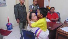 Satpol PP Padang Bantu Bocah Autis yang Sempat Hilang Bertemu Orang Tuanya - minangkabaunews.com