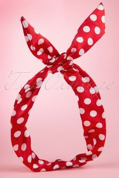 Collectif Clothing Red White Pin up Polka Bandana 240 27 13249 20140611 Vintage Looks, Retro Vintage, Vintage Style, 50s Pin Up, Mode Rockabilly, Vintage Outfits, Vintage Fashion, Paris Love, Pin Up Hair