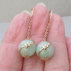 14k Gold Jade Flower Wire Wrap Dangle Vintage Pierced Earrings