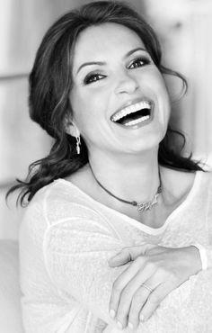 Mariska Hargitay ✾ Mariska Hargitay, Divas, Janes Mansfield, Olivia Benson, Law And Order, Movie Photo, Girl Crushes, Woman Crush, Celebrity Photos