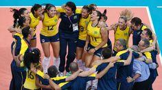 2012 Equipe brasileira comemora bicampeonato olímpico do vôlei feminino na Olimpíada de Londres