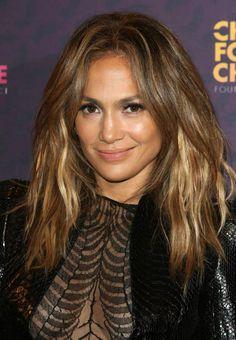 Jennifer Lopez  blush nude lips & sun kissed cheek #JLO #Signature #Makeup