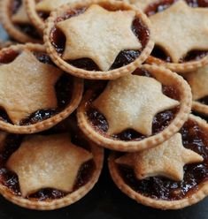 Our Mince Pie Flapjacks Recipe - A Christmas Tradition Healthy Flapjack, Flapjack Recipe, Yorkshire Pudding Tin, Food Plus, Shortcrust Pastry, Mini Muffins, None Such Mincemeat Pie Recipe, Christmas Baking