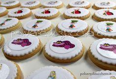 Biscotti Alice nel paese delle meraviglie con: Alice, Stregatto, Regina, Bianconiglio, Cappellaio matto  Cookies Alice in Wonderland with Alice, the Cheshire Cat, the Queen, White Rabbit, Mad Hatter