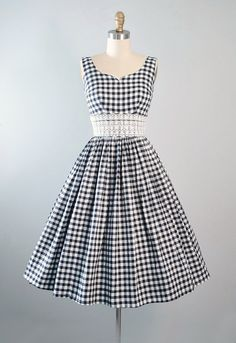 ♦ Vintage 1950s Cotton Sundress by Candi Jones - California. ♦ Constructed in a Black & White Cotton Plaid Gingham Fabric with Tiny Florals. ♦