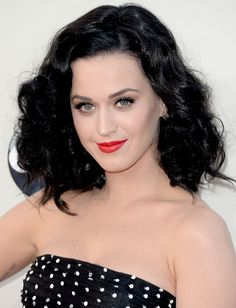 Katy Perry http://www.parade.com/234999/jennytzeses/10-best-beauty-looks-from-the-amas-katy-perry-taylor-swift-christina-aguilera/