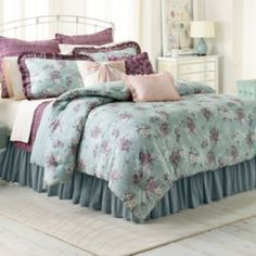 The official site of Lauren Conrad is a VIP Pass. Here you will get insider knowledge on the latest beauty and fashion trends from Lauren Conrad. Lc Lauren Conrad, Lauren Conrad Bedding, Kohls Bedding, King Comforter Sets, Bedding Sets, Up House, My Living Room, My New Room, Beautiful Bedrooms