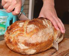 Békebeli kovászos fehér kenyér Hungarian Recipes, Cata, Ciabatta, Kitchen Hacks, Bread Recipes, Cooking Tips, Entrees, Bakery, Paleo