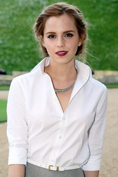 Emma Watson: Hair Style File. She's so elegantly prety I'm insanely jealous..(in a nice way though lol)