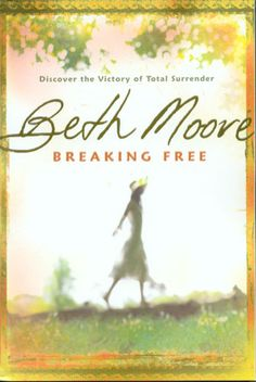 I have begun to read the book Breaking Free by Beth Moore . Beth Moore purposes to teach women how to love and live on God& word throu. Breaking Free Beth Moore, Book Design Graphique, Beth Moore Bible Study, Good Books, My Books, Book Of Isaiah, Isaiah 61, Freedom In Christ, Thing 1
