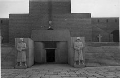 The Tannenberg Memorial commemorated fallen German soldiers of the second Battle of Tannenberg in 1914, which was named after the medieval Battle of Tannenberg (1410). The victorious German commander, Paul von Hindenburg, became a national hero, and was later elected Reichspräsident.