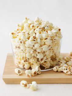 Decadent Pop! 479 Popcorn - Black Truffle and White Cheddar Popcorn