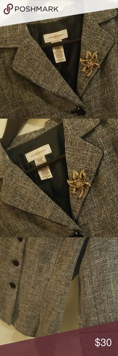 COVINGTON GRAY MIX BLAZER JACKET IN GREAT CONDITION  BEAUTIFUL BLAZER BROOCH WILL BE INCLUDED  NO SIGN OF WEAR NO STAINS Covington Jackets & Coats Blazers