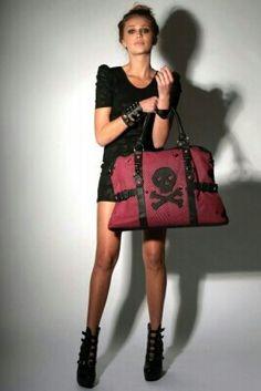Love large bags!!! #ironfist #skull #purse