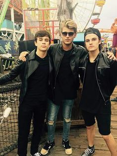 Uploaded by Find images and videos about hayes grier and kenny holland on We Heart It - the app to get lost in what you love. Finn Harries, Kenny Holland, Sam Pottorff, Carter Reynolds, Taylor Caniff, Jack Gilinsky, Emo Guys, Brent Rivera, Hayes Grier