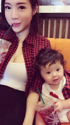 Elly Trần và con gái Mộc Trà diện đồ đôi cực chất