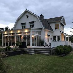 Proforma - Extravagant Homes, Colonial Style Homes, Modern Farmhouse Exterior, Swedish House, House Extensions, Pool Houses, Estate Homes, Home Interior, My Dream Home