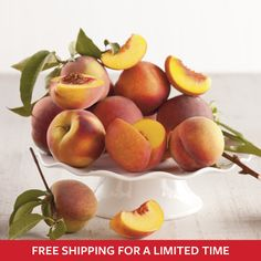Delight in the fresh taste of summer with juicy Oregold® Peaches. Now with FREE SHIPPING for a limited time. #summerfavoritesevent #freeshipping #summer #peaches