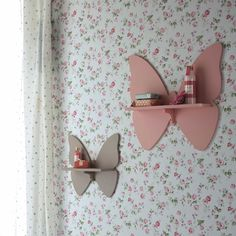 Pink and Taupe Butterfly Wall Shelves 2 butterfly shelves H 31 and H 45 cm Butterfly Baby Room, Butterfly Kids, Kids Bedroom Designs, Kids Room Design, Big Girl Rooms, Kids Corner, Baby Room Decor, Kids Decor, Wall Shelves