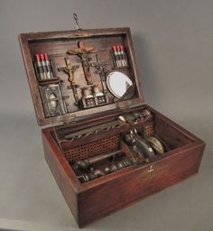 Vampire Killing Kit Chest, Continental circa wow another one! Werewolf Hunter, Vampire Hunter, Steampunk House, Steampunk Gears, Biscuit, Halloween Coffin, Shock And Awe, Cabinet Of Curiosities, Wood Chest