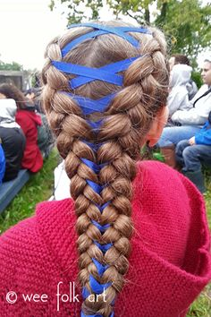 The corset braid is a very easy hairstyle to do. Follow our corset braid tutorial to learn how to create this stunning braid.