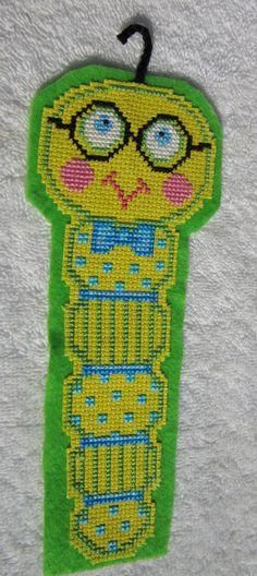 Bücherwurm Cross Stitch-Bookmark von mykoalakrafts auf Etsy