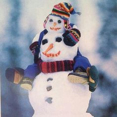 Looking for some winter fun? We love all these clever ways to build a snowman. I Love Snow, I Love Winter, Winter Fun, Winter Time, Winter Christmas, Christmas Snowman, Merry Christmas, Blue Christmas, Christmas Humor