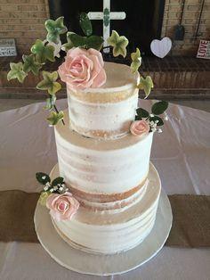 Hilary Duff wedding cake | borrow something blue | Pinterest