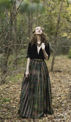 Skirt Outfits – Page 6898461013 – Lady Dress Designs Mode Outfits, Skirt Outfits, Dress Skirt, Dress Up, Tartan Skirt Outfit, Tartan Skirts, Skirt Midi, Look Fashion, Autumn Fashion