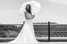 Editorial: SEM REGRAS !  De: www.bridalbeautybr.com Foto: @paolaguzman Beauty: @camilaadimakeup Bridal Dress:@saalmeida Acessórios: @ateliebemcasada