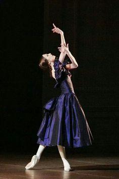 Svetlana Zakharova as Marguerite in Lady of the Camellias at The Bolshoi Theatre Moscow. March photo by Mikhail Logvinov Bolshoi Theatre, Bolshoi Ballet, Royal Ballet, Ballerina Dancing, Ballet Dancers, Alvin Ailey, Body Painting, John Neumeier, Ballet Dance Photography